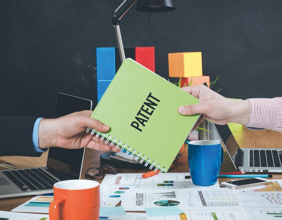 חיפוש פטנטים מהווה בדרך כלל את השלב הראשון בתהליך רישום הרעיון או ההמצאה כפטנט.